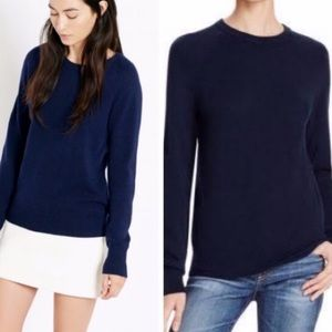 Equipment | Chas here navy blue sweater 0527